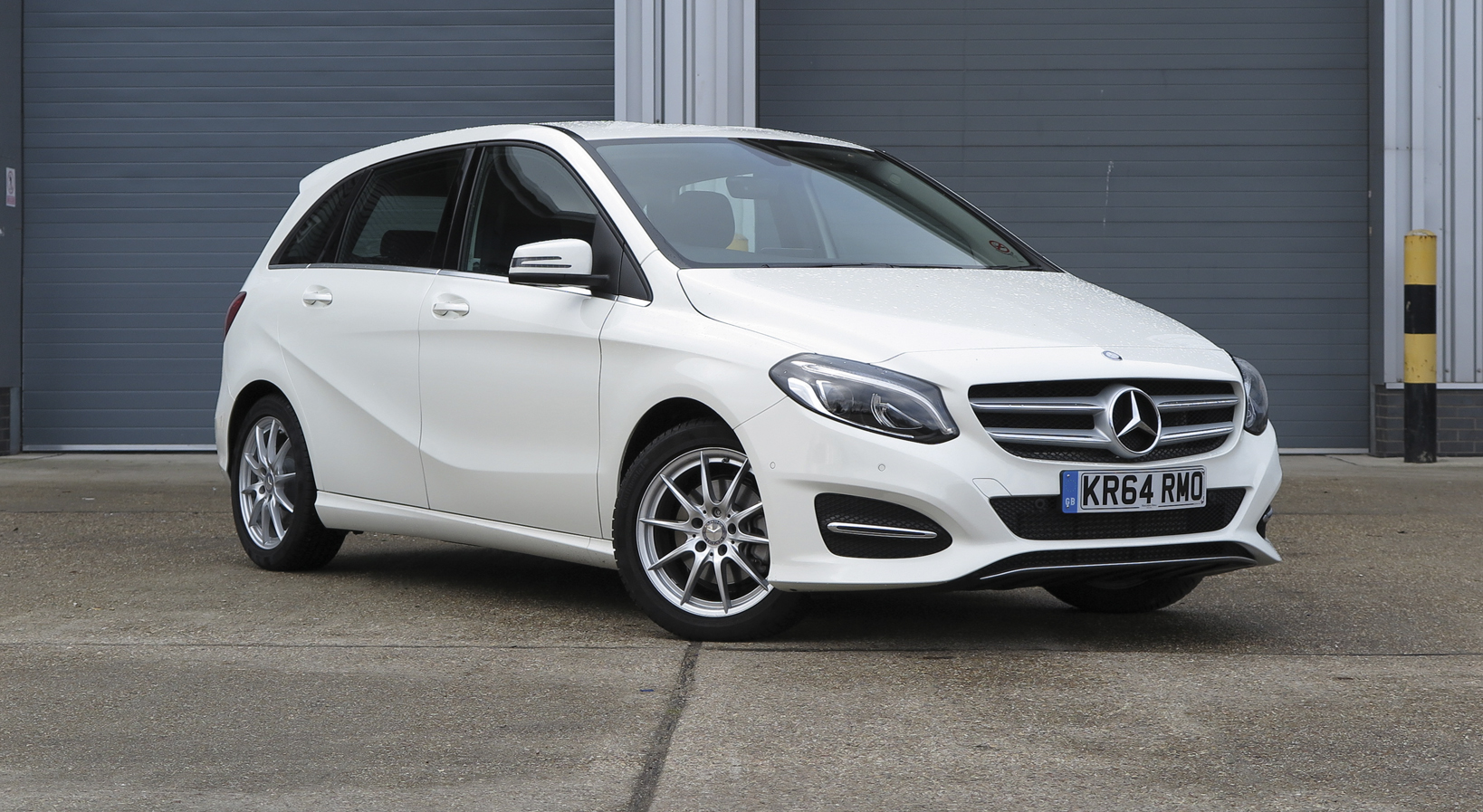 60 second on test report 2015 mercedes benz b 200 d for Mercedes benz second