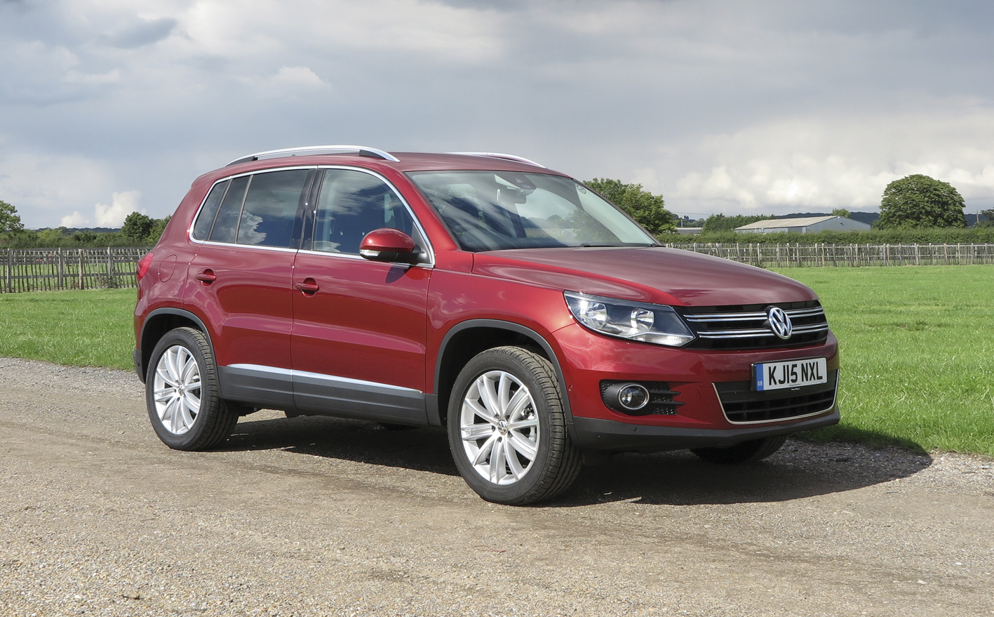 60 second on test report 2015 volkswagen tiguan match 2 0 tdi 4motion automatic diesel car. Black Bedroom Furniture Sets. Home Design Ideas