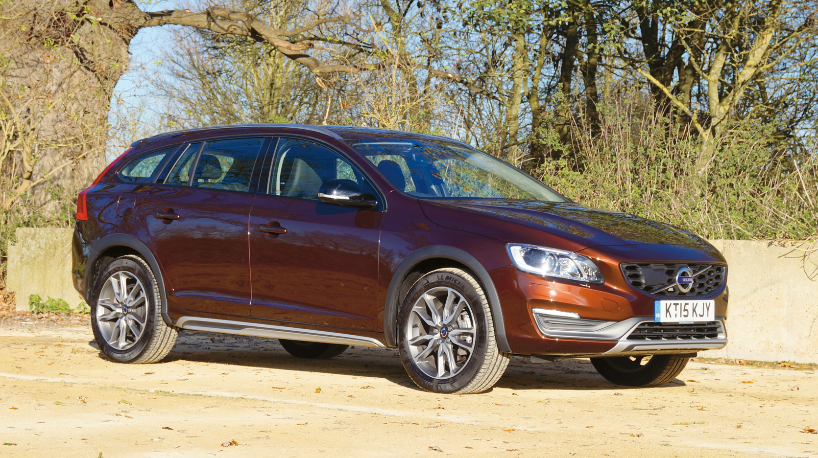 volvo v60 cross country d3 lux nav automatic diesel car magazine. Black Bedroom Furniture Sets. Home Design Ideas